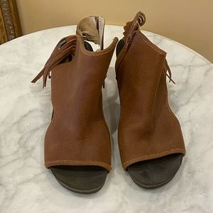 One sole brown bootie